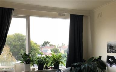 Share house Armadale, Melbourne $165pw, Shared 3 bedroom apartment