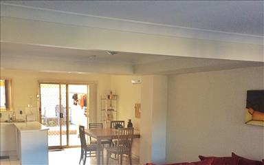 Share house Coolangatta, South East Queensland $205pw, Shared 3 bedroom semi