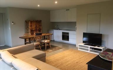 Share house Auchenflower, Brisbane $325pw, Shared 2 bedroom house