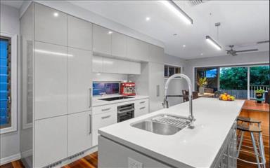 Share house Albion, Brisbane $295pw, Shared 4+ bedroom house
