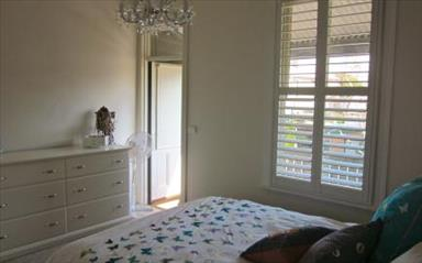 Share house Albert Park, Melbourne $300pw, Shared 2 bedroom townhouse