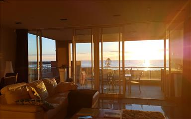 Share house Glenelg North, Adelaide $300pw, Shared 3 bedroom apartment