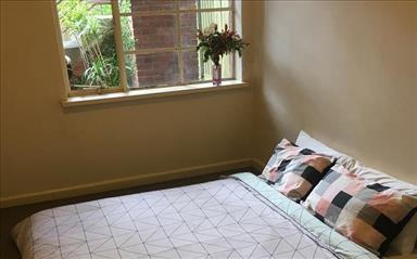 Share house Armadale, Melbourne $160pw, Shared 3 bedroom apartment