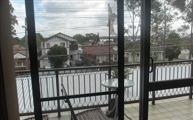 Share house Abbotsford, Sydney $220pw, Shared 3 bedroom apartment
