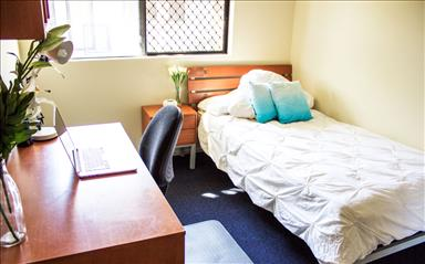 Share house Labrador, Gold Coast and SE Queensland $205pw, Shared 3 bedroom apartment