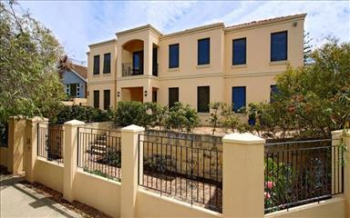 Share house Cottesloe, Perth $250pw, Shared 3 bedroom house
