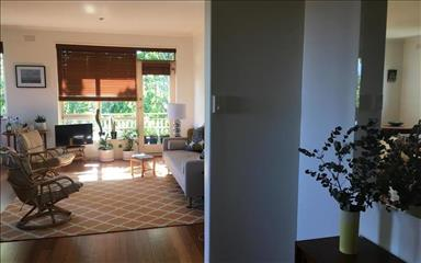 Share house Armadale, Melbourne $230pw, Shared 3 bedroom apartment