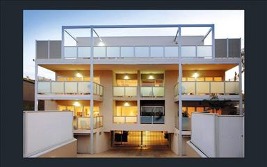 Share house Armadale, Melbourne $240pw, Shared 3 bedroom apartment