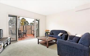 Share house Abbotsford, Melbourne $240pw, Shared 3 bedroom townhouse
