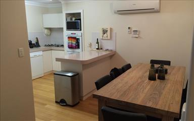 Share house Como, Perth $210pw, Shared 3 bedroom townhouse