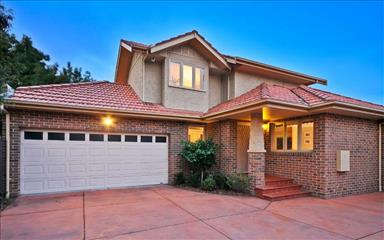 Share house Aberfeldie, Melbourne $167pw, Shared 3 bedroom townhouse