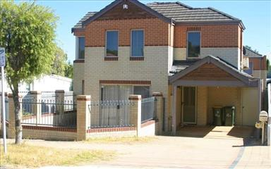 Share house Leederville, Perth $150pw, Shared 3 bedroom townhouse
