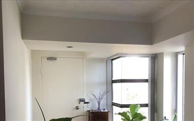 Share house Broadbeach, Gold Coast and SE Queensland $280pw, Shared 2 bedroom apartment