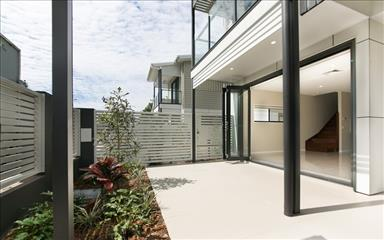 Share house Annerley, Brisbane $310pw, Shared 3 bedroom townhouse
