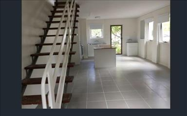 Share house Broadbeach, Gold Coast and SE Queensland $220pw, Shared 2 bedroom townhouse