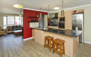 Share house Caloundra West, Gold Coast and SE Queensland $200pw, Shared 4+ bedroom townhouse