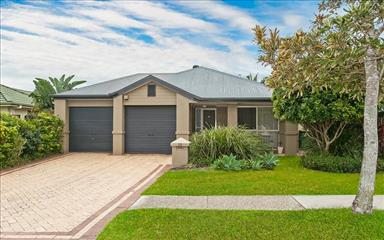 Share house Burleigh Waters, Gold Coast and SE Queensland $166pw, Shared 3 bedroom house