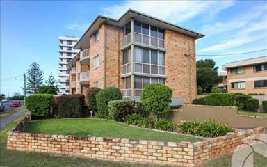 Share house Bilinga, Gold Coast and SE Queensland $225pw, Shared 3 bedroom apartment
