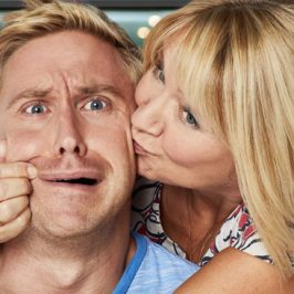 Russell Howard And Mum: Globetrotters