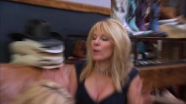 The Real Housewives of New York – EPISODE15 KRISTEN CONFRONTS AVIVA