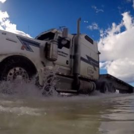 Ice Road Truckers S10 Sneak Peek