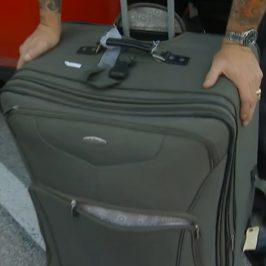 Baggage Battles – Billy's Heavy Suitcase