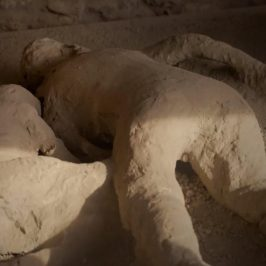 The Last Days of Pompeii – E1 Sneak Peek