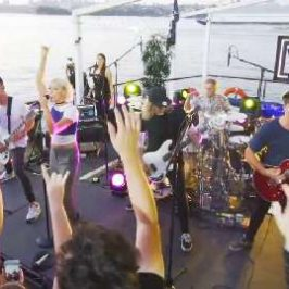 Island Party: Tonight Alive