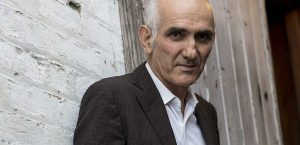 Paul Kelly To Throw Christmas Bash With Gang Of Youths, Meg Mac & More