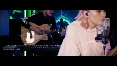 LIVE: Nicole Millar – All My Issues