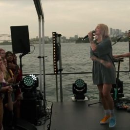 [V] Island Parties: Julia Michaels performs Issues