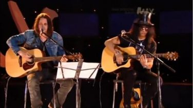 Max Sessions- Slash & Myles Kennedy – Sweet Child O' Mine
