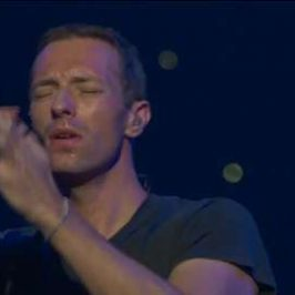 MAX Sessions: Coldplay Perform 'Magic'