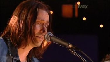 MAX Sessions: Slash & Myles Kennedy Perform 'Patience'