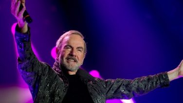 Neil Diamond Retires From Touring Following Parkinson's Diagnosis; Australian Dates Cancelled