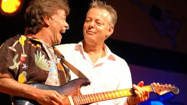 Tommy Emmanuel Pays Tribute To Late Brother Phil: 'He Taught Me So Much'