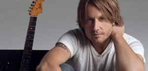 Keith Urban gets close to fans
