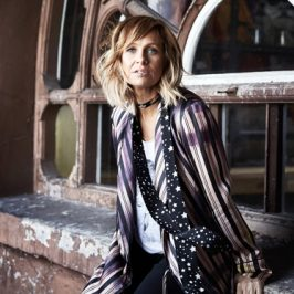 Kasey Chambers, The McClymonts Lead 2018 Golden Guitar Awards Nominees