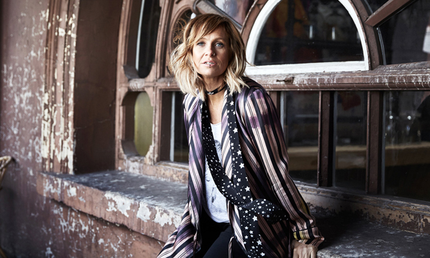 Kasey Chambers & More Win Big At The 2018 Golden Guitars Awards