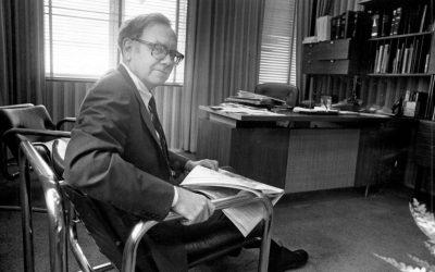 """These 4 Rules Made Warren Buffett """"Supernaturally Rich""""!"""