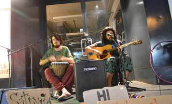 Busking with Satisvibes