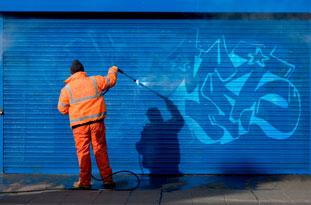 Anti-Graffiti Coatings to Prevent Graffiti Attacks