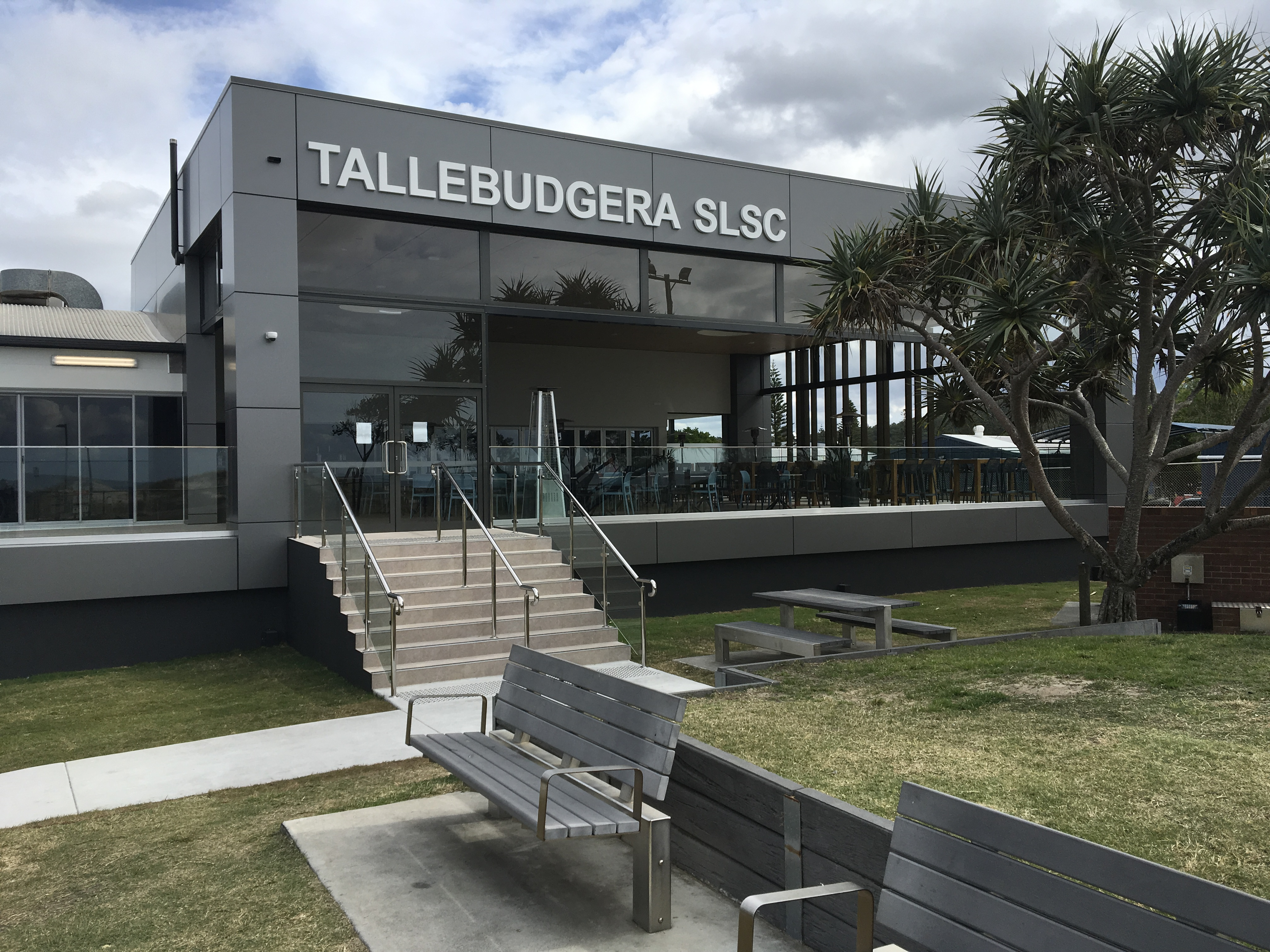 Tallebudgera surf club