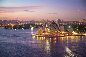 How do international students rate their Australian study experience?
