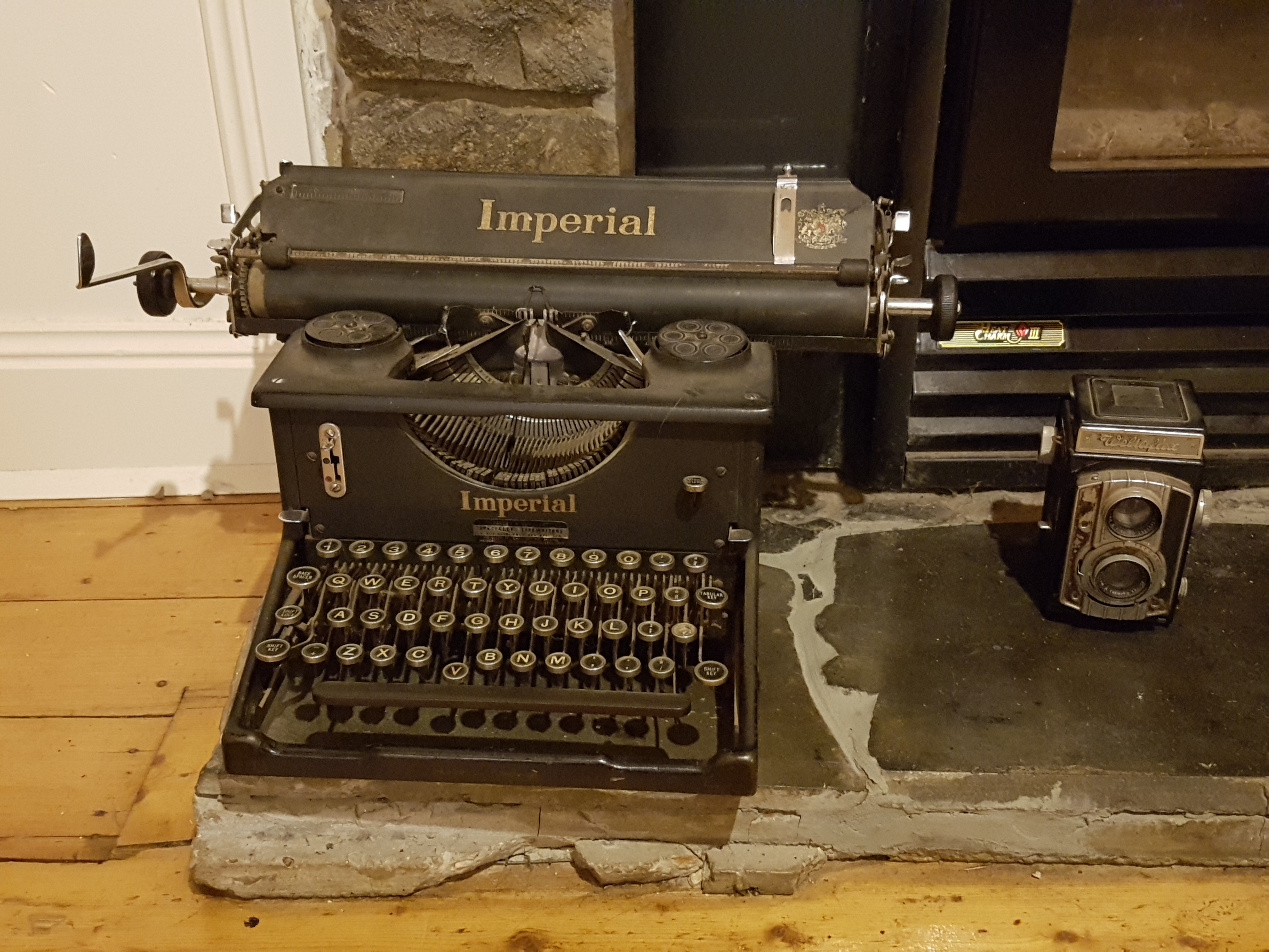 Typewriter in the middle of the lounge