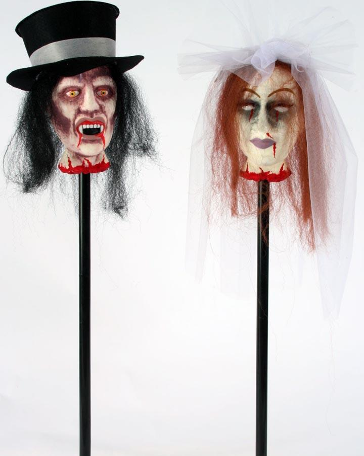 32 Inch Vamp Bride and Groom Stake Set