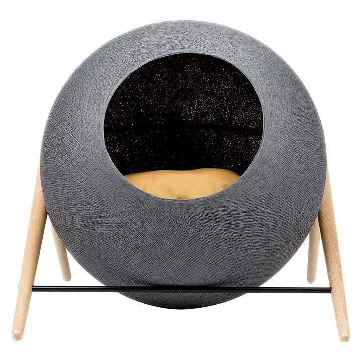 The Ball Pet Bed
