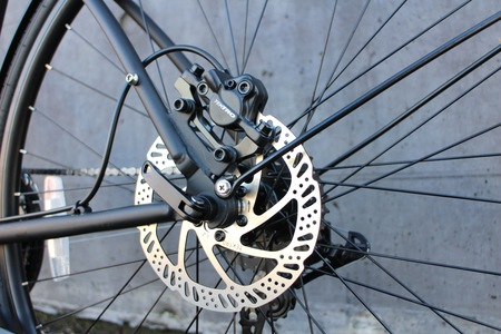 Tektro hydraulic disc brakes on i am free bicycle