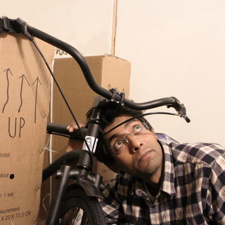 Anthony de silva with iamfree bicycle