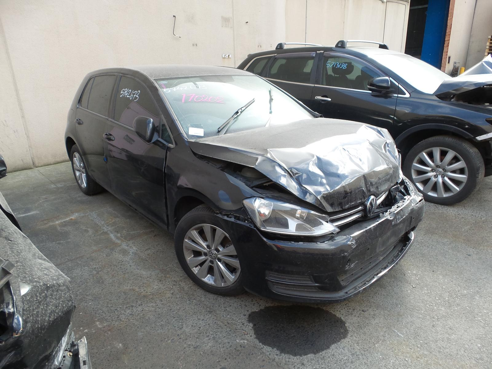 View Auto part Misc Volkswagen Golf 2014